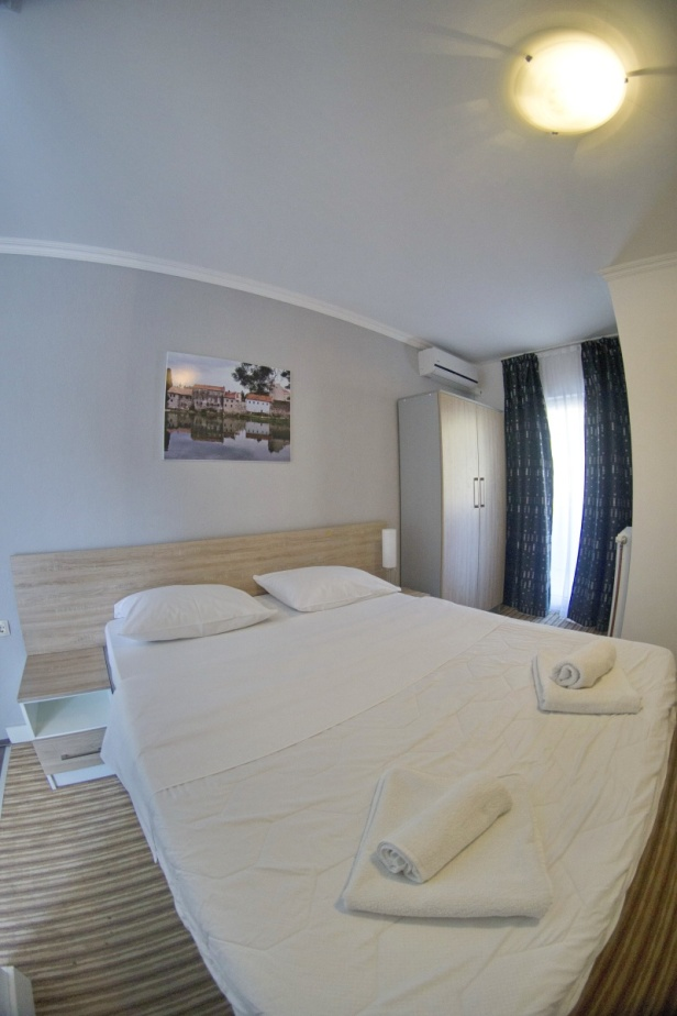 DOSTIĆ APARTMANI fish eye (14)