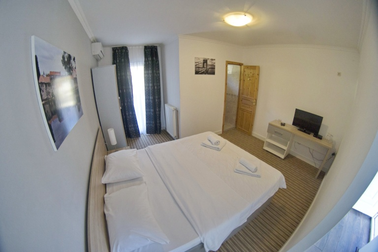 DOSTIĆ APARTMANI fish eye (15)