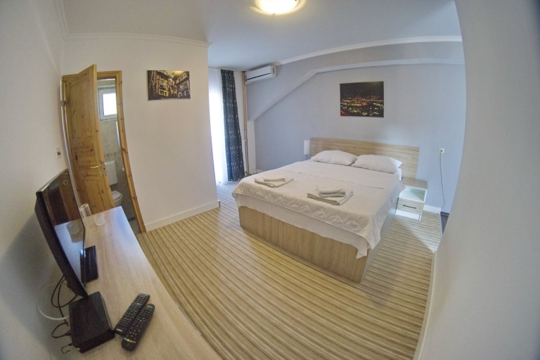 DOSTIĆ APARTMANI fish eye (18)